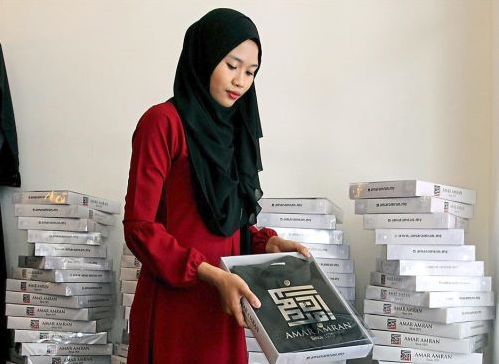 First Female Malaysian to Lead a Malaysian Fashion Brand