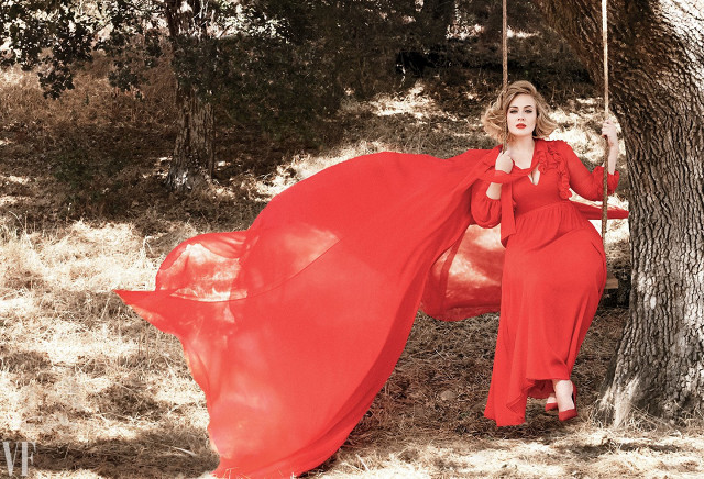 Adele In a Modest Outfit