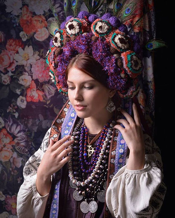 11-3-16-floral-crown-of-ukrainian-women-celebrates-beauty-and-tradition-4