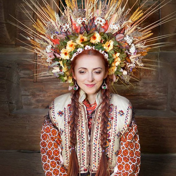 11-3-16-floral-crown-of-ukrainian-women-celebrates-beauty-and-tradition-5