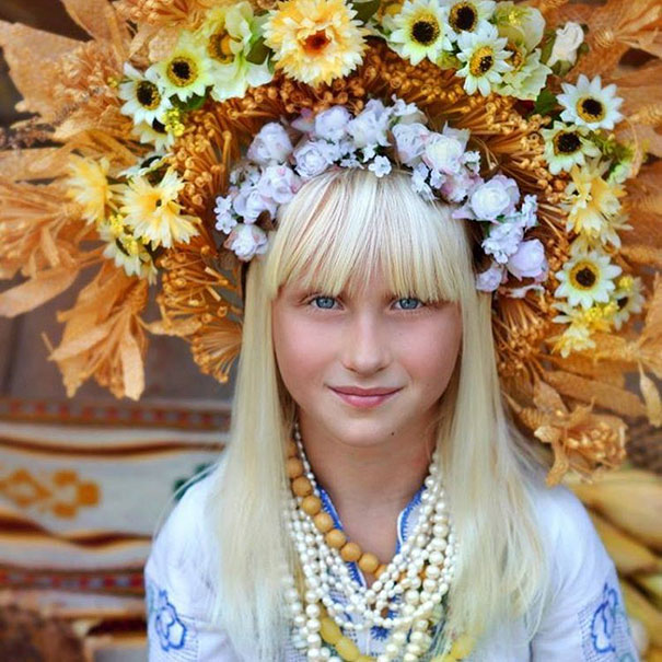 11-3-16-floral-crown-of-ukrainian-women-celebrates-beauty-and-tradition-7