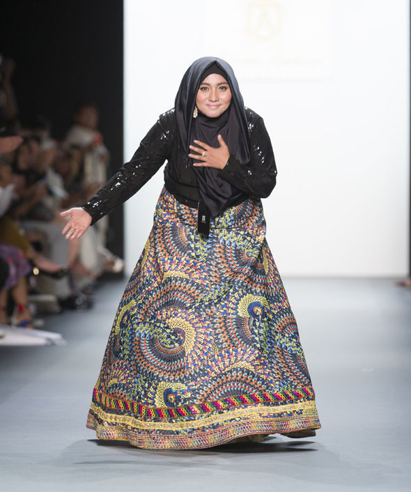 Famous Indonesian Fashion Designer Heads To Doha Fashion Show Peace Journalism