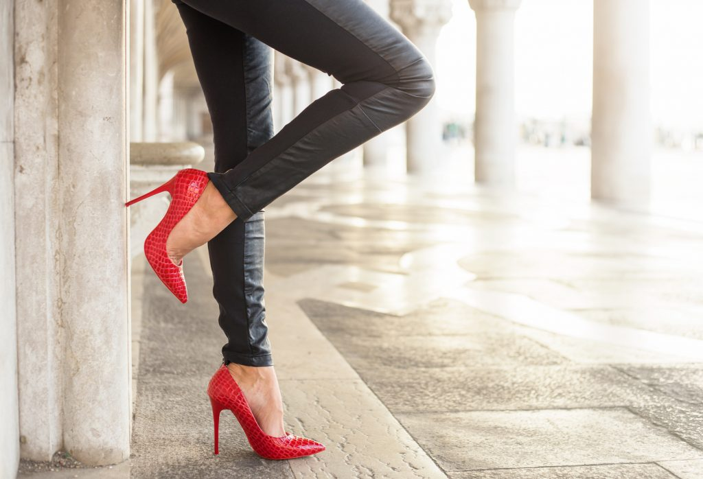 © Goltune. 3 simple tricks to stay on high heels