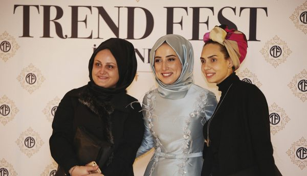 photo curtsy of Daily Sabah, One of the biggest festival for hijab fashion in Turkey is spending its revenue to support people in Aleppo