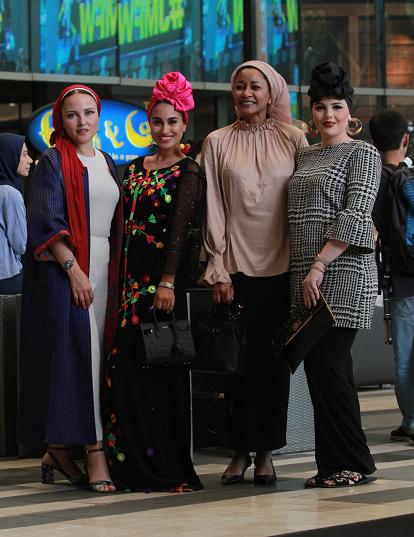 hijab fashion, modest fashion, peace journalism, goltune news