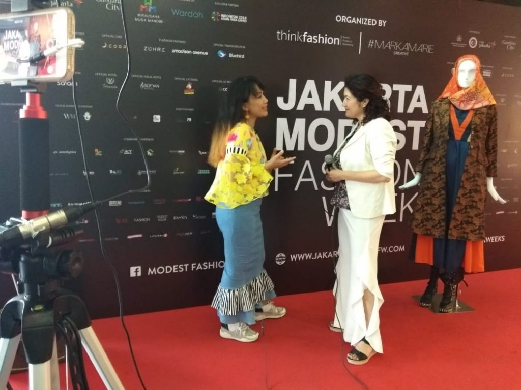 sara jamshidi, peace journalism, jakarta, modest fashion
