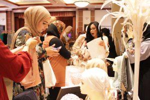 muslim women, modest fashion market, sara jamshidi, pfhconvention6, hassanah el yacoubi, goltune