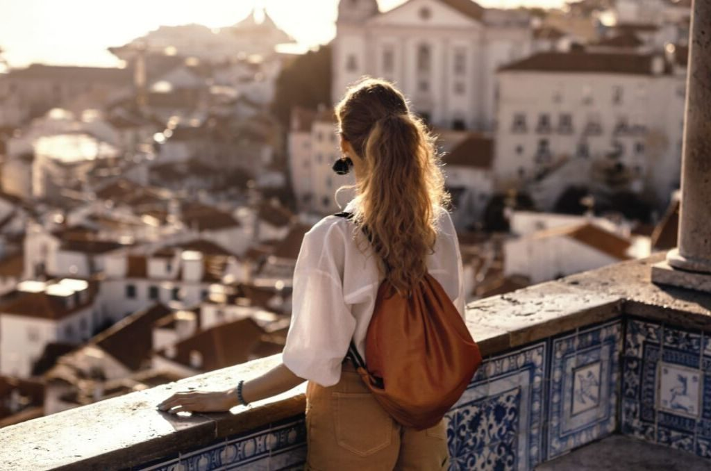goltune, sara jamshidi, muslim jewish travelers, travel in style