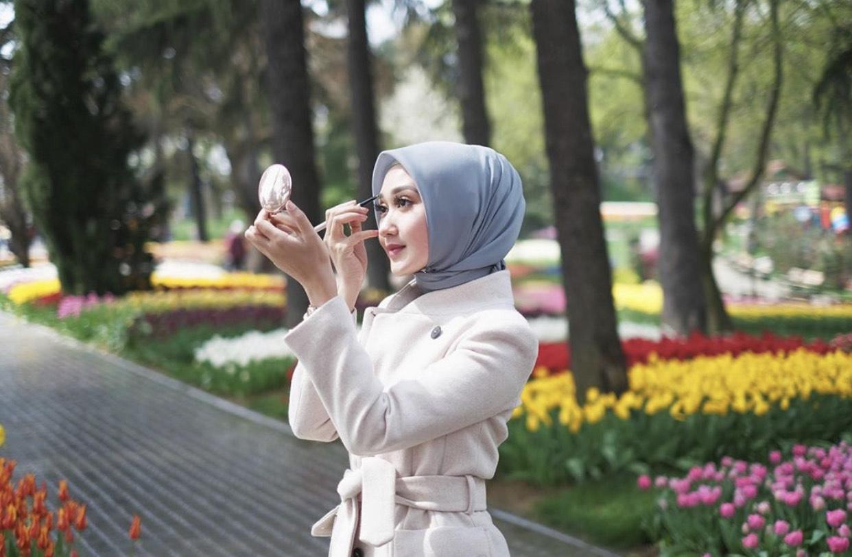 Dian Pelangi modest fashion icon for goltune